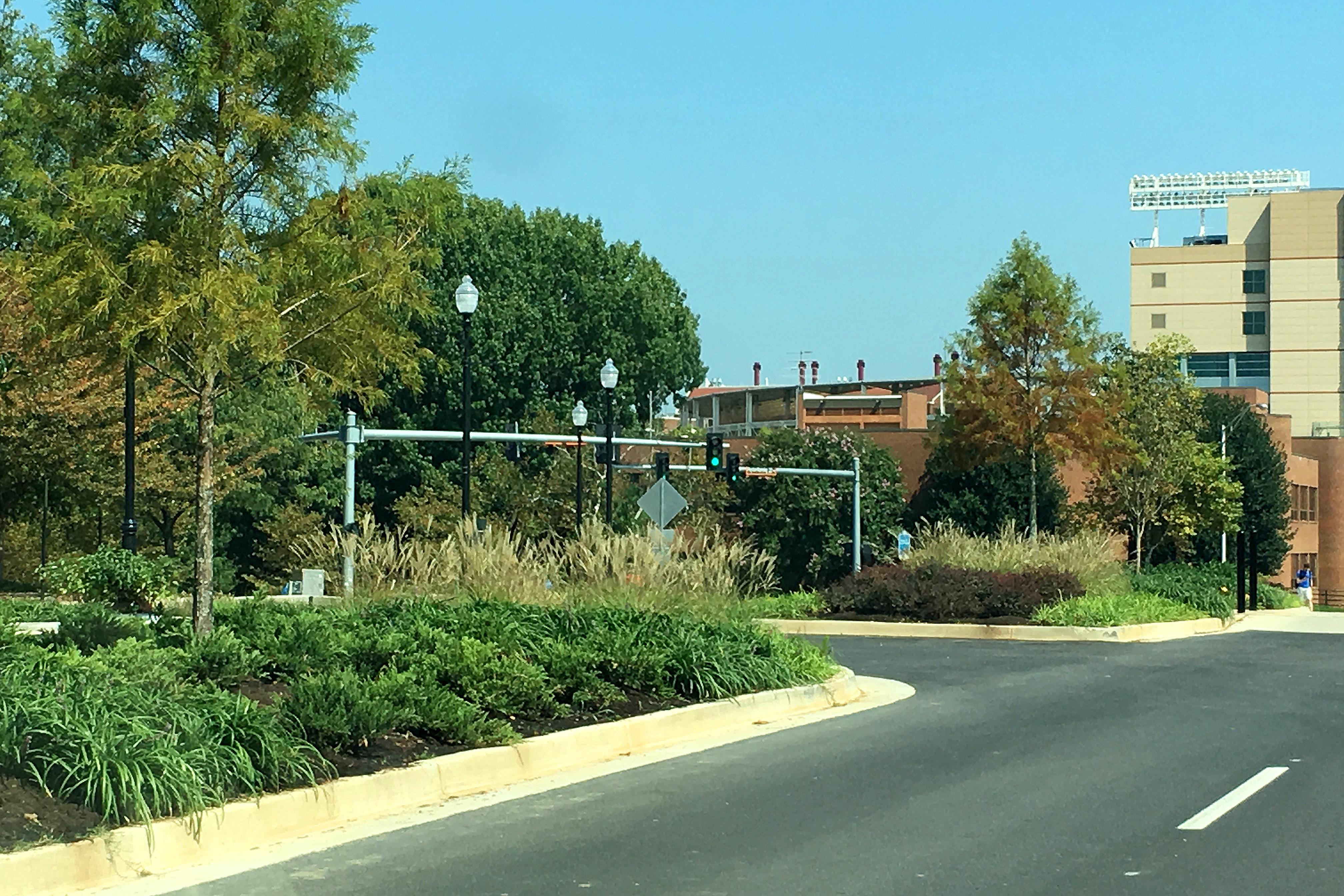 Merit Construction — UT Campus Beautification – Volunteer Boulevard